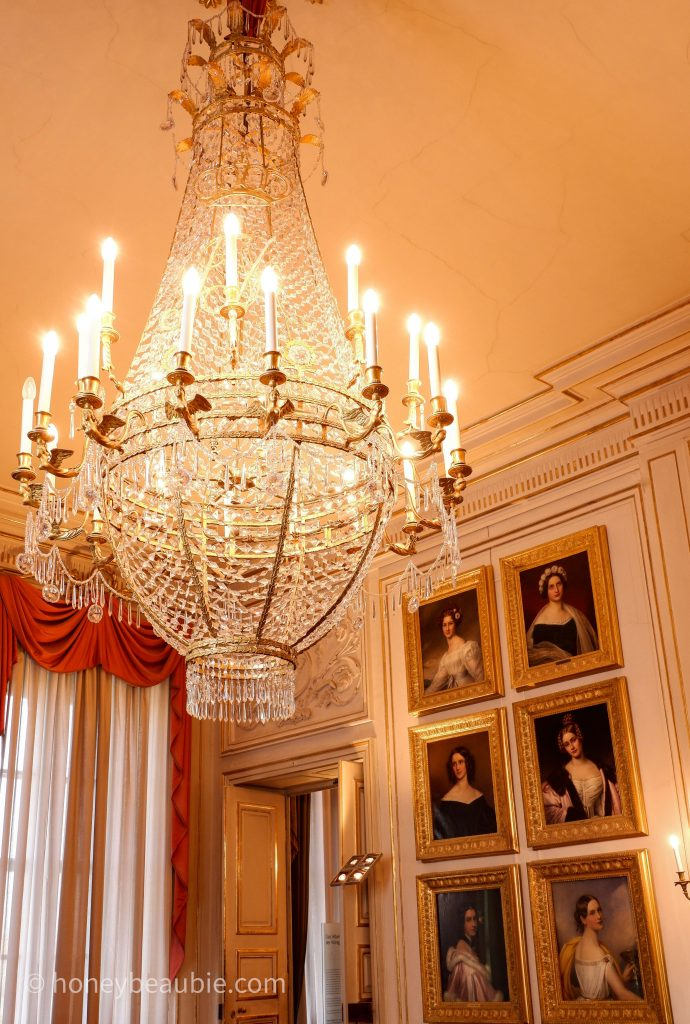 nymphenburg-palace-chandelier